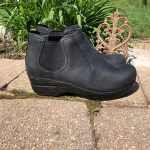 Dansko Frankie Black Oiled Leather ankle boots